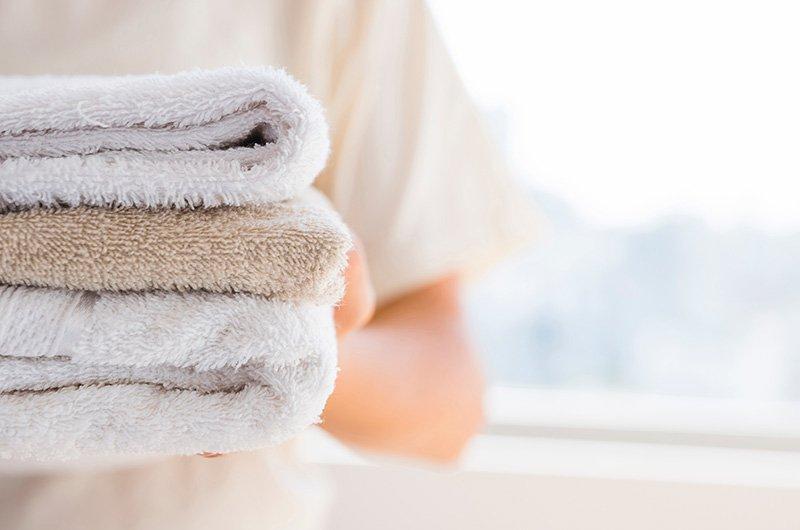 Trucos para que tus toallas estén suaves y esponjosas